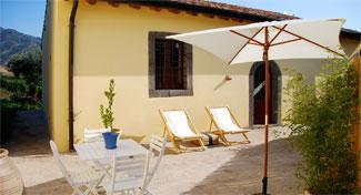 Viola e Papavero - Carranco - Randazzo villa rentals